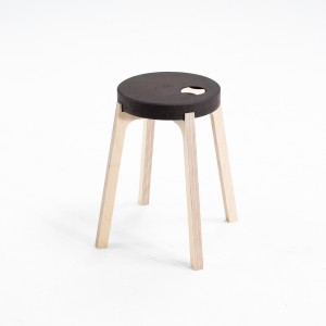 warmstool_02black